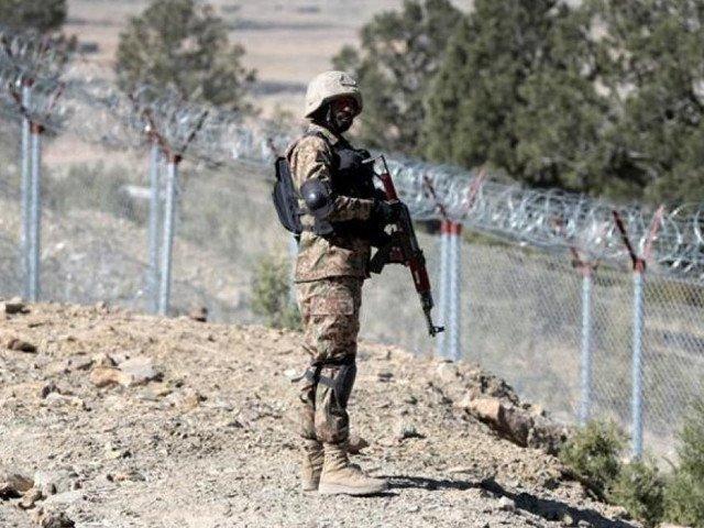 Army troops deployed on Afghan border crossings