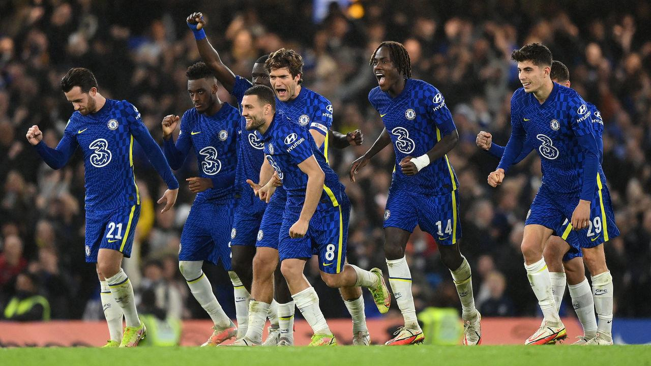 Chelsea survive Southampton shootout